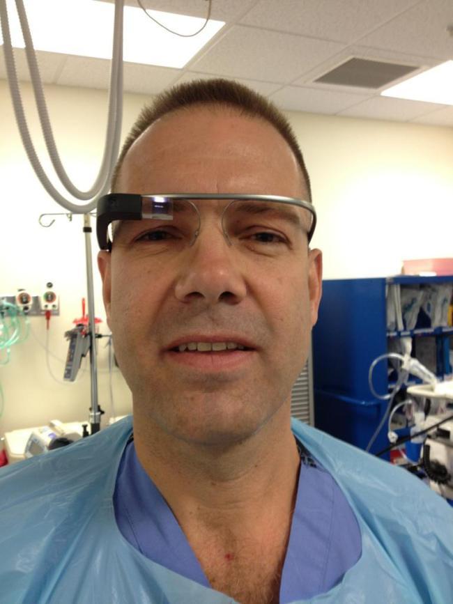 Google Glass'la Ameliyat Odasına