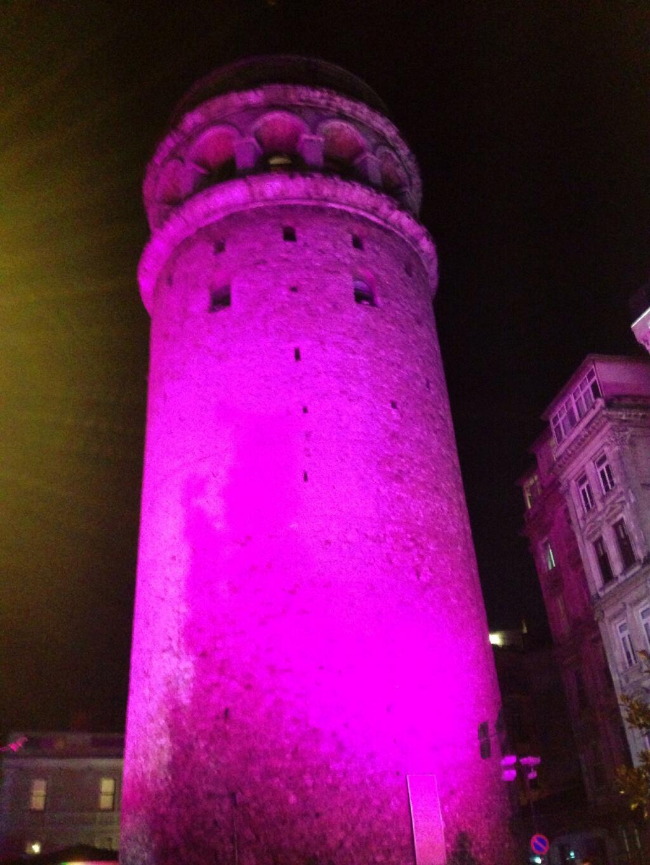 Galata Kulesi Pembe Oluyor