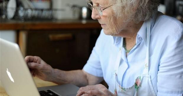Yaşlıları Mobil Uygulamalara Alıştırmak İçin 3 Etken