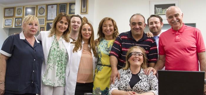 Türkiye'nin İlk Biyonik Göz Ameliyatı Dünyagöz'de Gerçekleştirildi