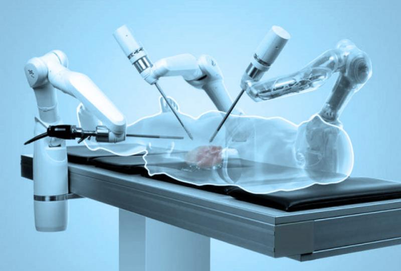 Ameliyat eden robotlaar